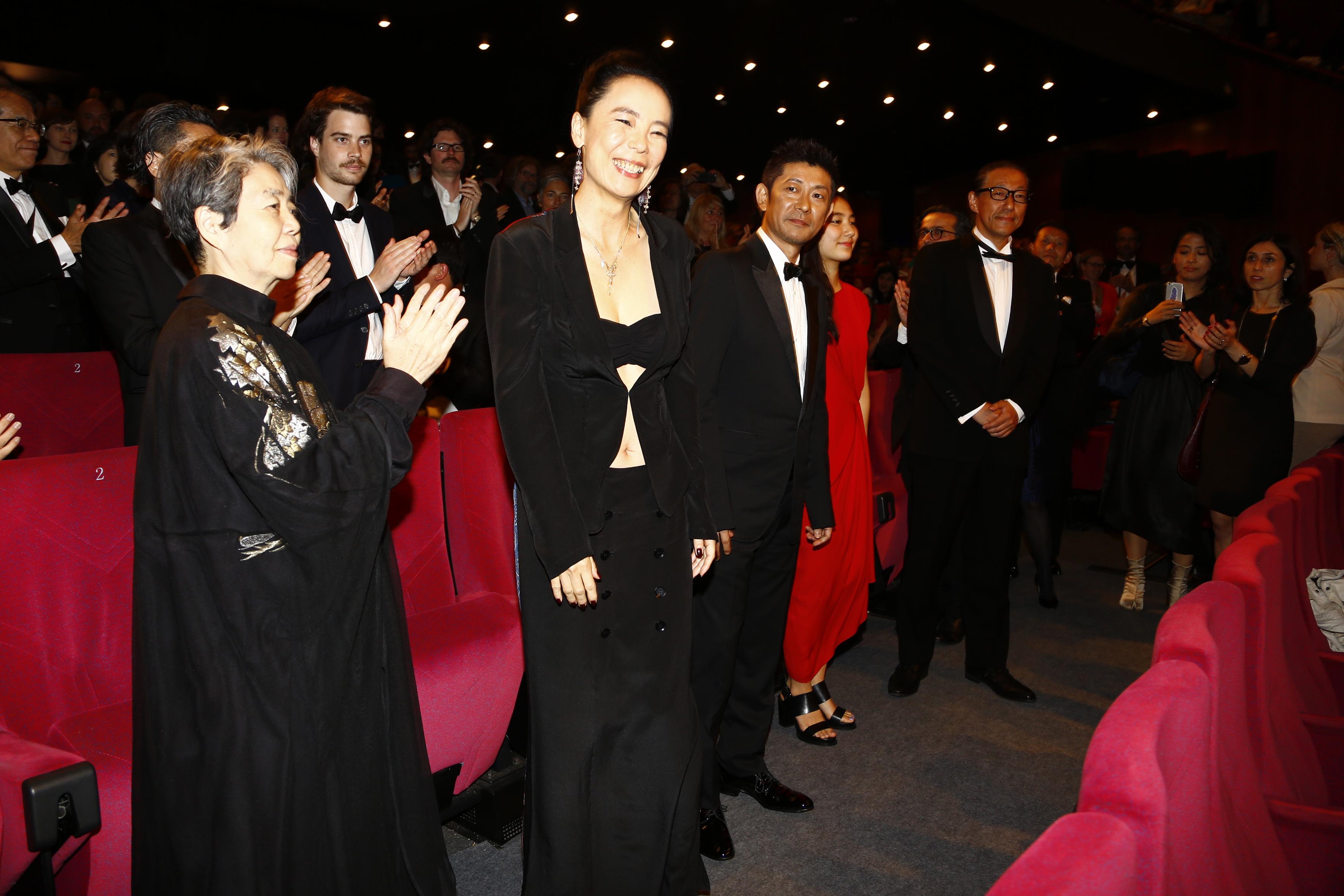 http://www.kawasenaomi.com/kumie/news/Cannes_R4A6777.jpg